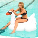 Sunnylife Inflatable Pool Toy - Giant Swan